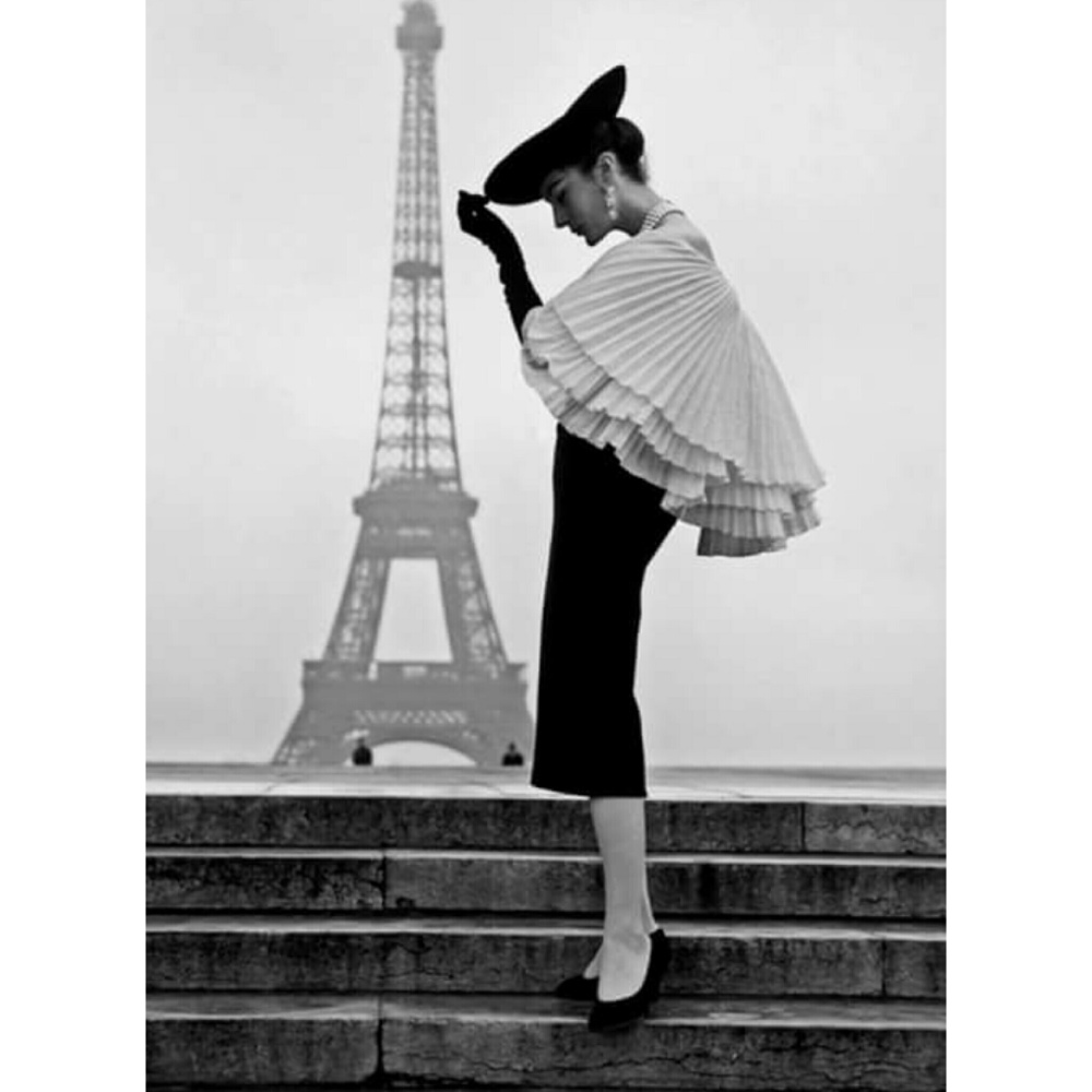 Lady at Paris Eiffel Tower + poise